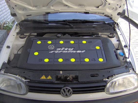 Battery-Trunk under the hood