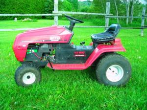 Julian Weygang S 2004 Mtd Lawn Tractor